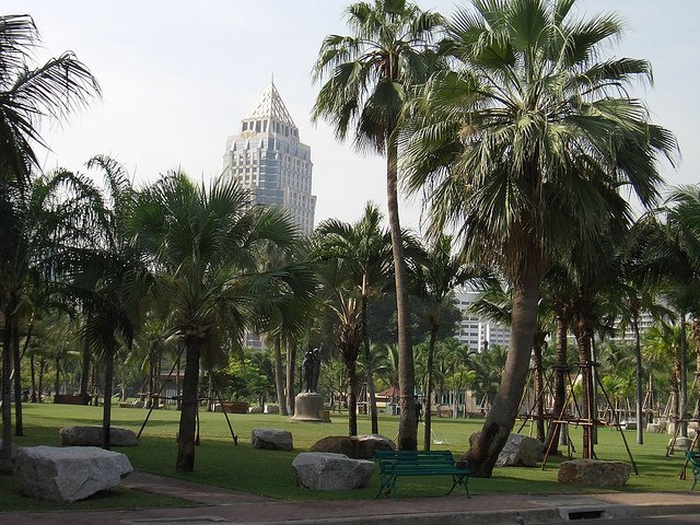 Lumpini Park/ Image via eGuide Travel/ Flickr