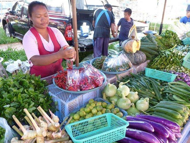 Phuket vegetable market/ Image via Robert Staudhammer/ Flickr