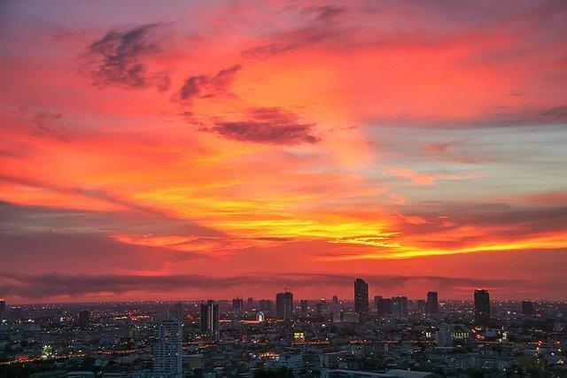 Red Bangkok sky