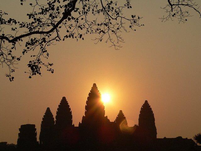 Angkor Wat Travel Guide