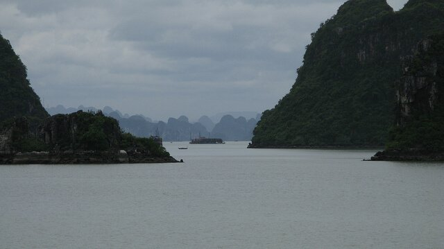 Cruise Halong Bay