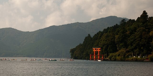 Lake Ashinoko, Japan travel tips